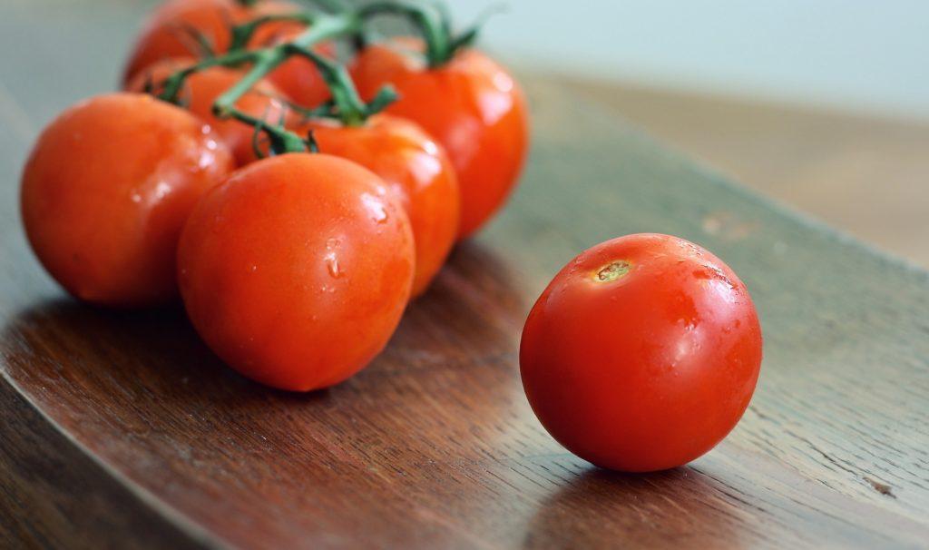 tomatoes-1476090_1920